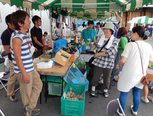地元野菜の即売