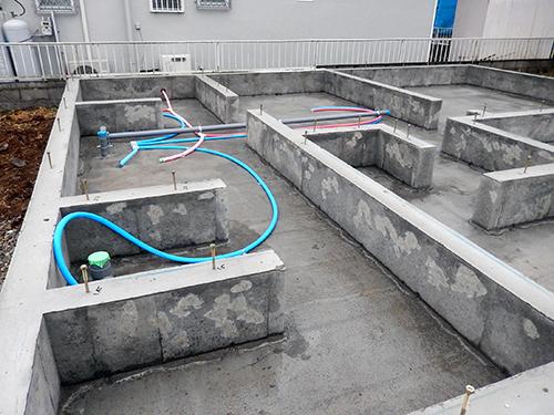 基礎の上下水配管