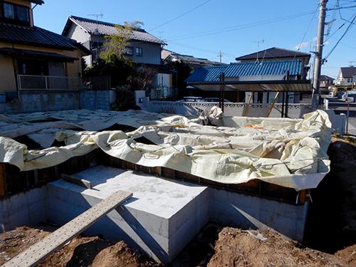 コンクリート打設後の養生