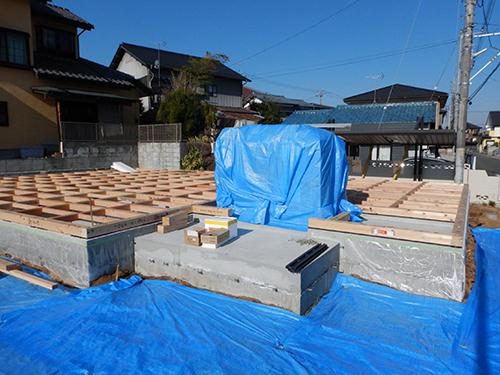 床下構造材の施工