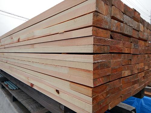 ヒノキ製間柱自然乾燥材