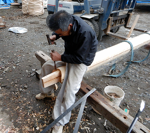 ヒノキ丸柱の加工
