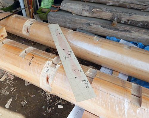 軒桁丸太の加工