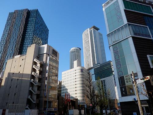 快晴の名古屋駅前