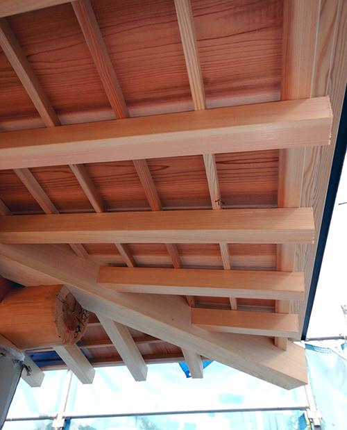 軒裏板と隅木