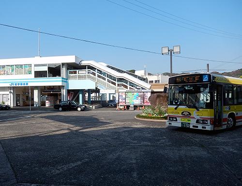 JR紀伊勝浦駅前