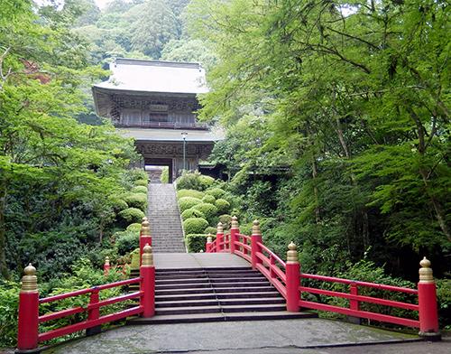 御橋から山門へ