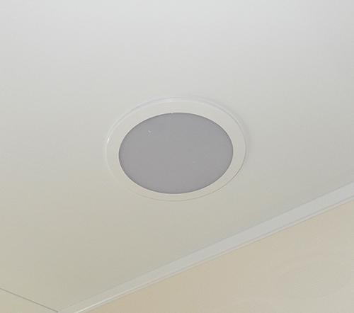 天井部埋め込み型照明