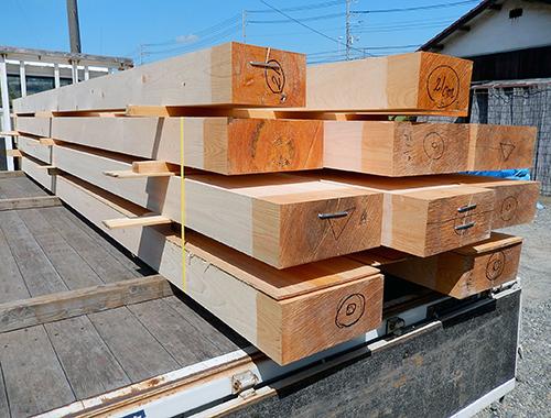 ヒノキ製構造用梁材