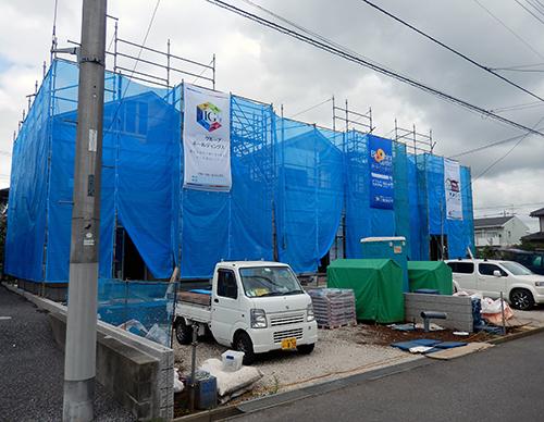 建て売り物件の建築現場
