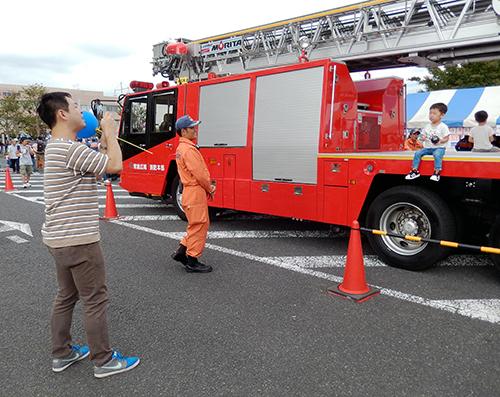 消防車と02